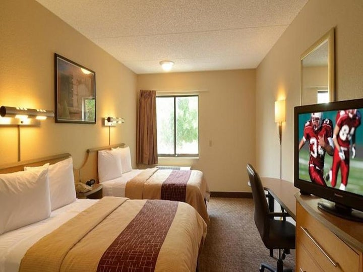 Midpointe Hotel by Rosen Hotels (old Red Roof Idrive) in Orlando, Florida, USA
