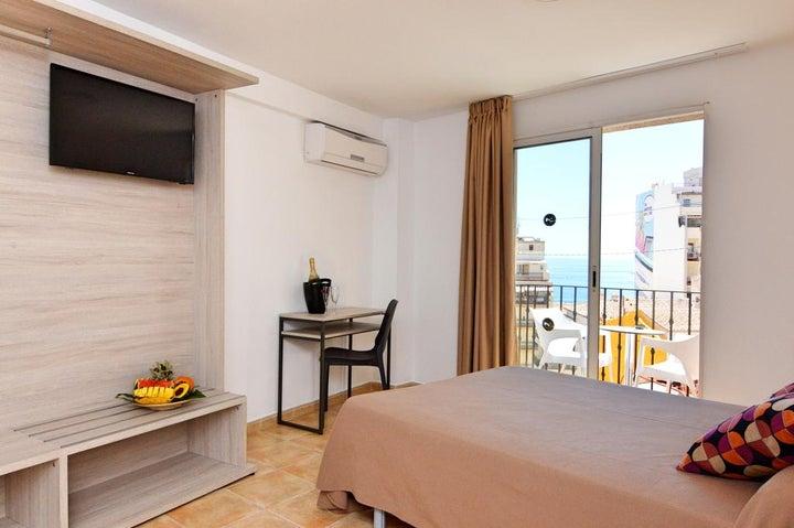 Queens Hotel Image 2