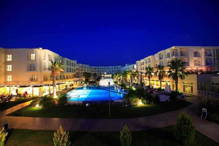 La Blanche Resort & Spa Image 20