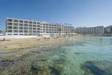 S Estanyol Hotel