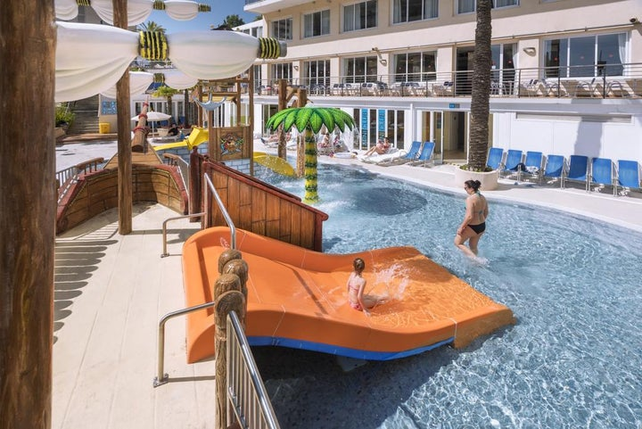 Oasis Park Splash Hotel Image 5