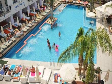 Tsokkos Holiday Apartments Image 0