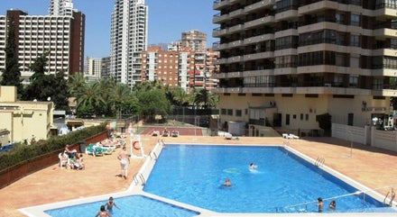 Cheap self catering holidays to Benidorm