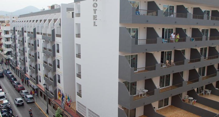 El puerto apartments in ibiza town ibiza holidays from - Hotel el puerto ibiza town ...