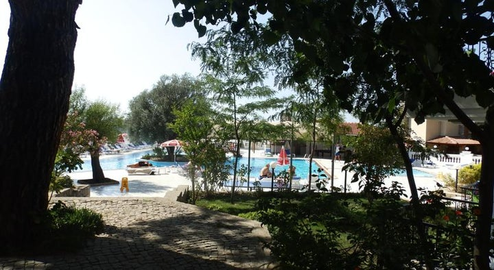 Sunshine Holiday Resort Image 13