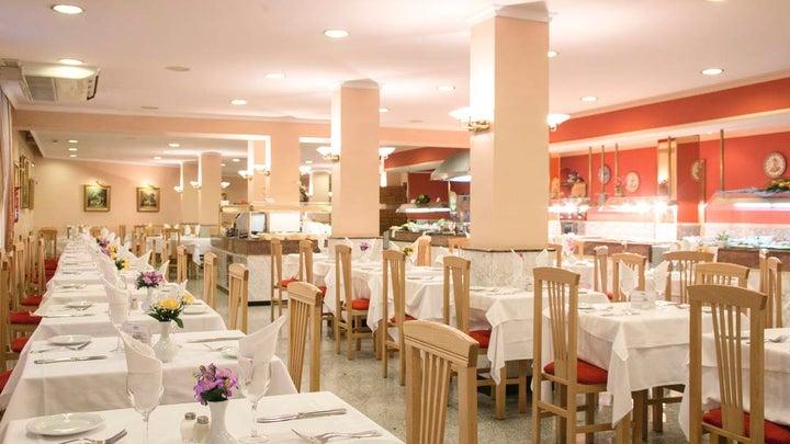 Las Arenas Hotel Image 14