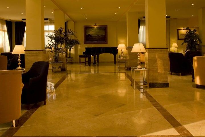 Las Arenas Hotel Image 34