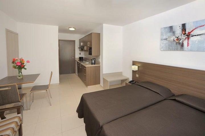Petrosana Hotel Apartments Image 4
