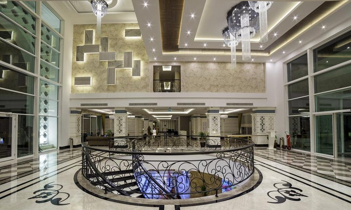 Karmir Resort And Spa Image 14