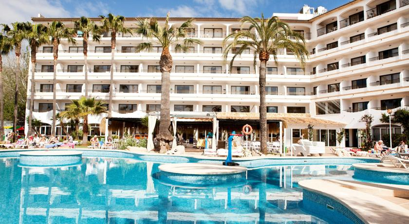 Apartments Sol De Alcudia In Majorca Holidays From 287pp Loveholidays Ie