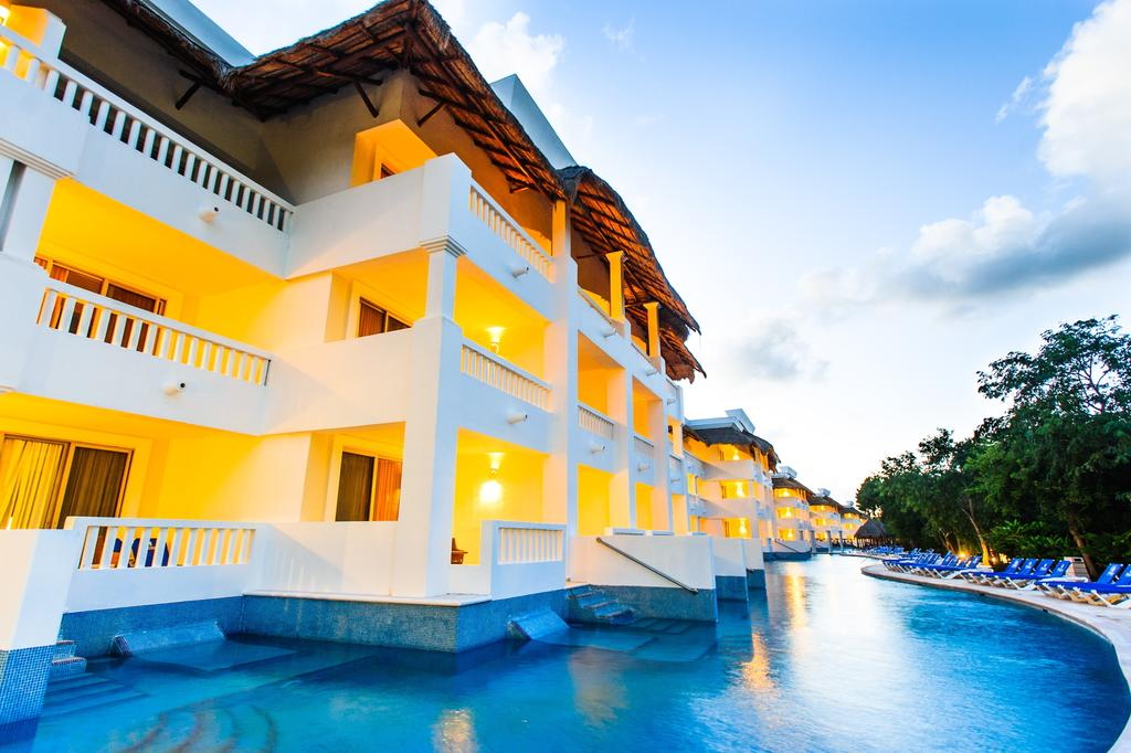 Grand Riviera Princess All Suites Spa Resort In Playa Del Carmen Mexico Holidays From 948pp Loveholidays