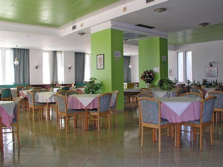 Luar Hotel Image 9