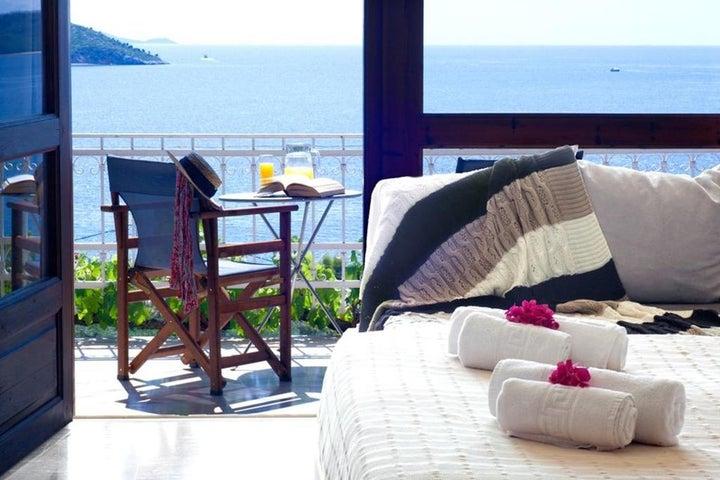 Irida Hotel Image 1