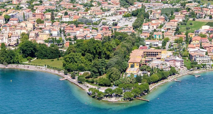 Parc hotel gritti in bardolino italy holidays from 437pp loveholidays for Hotels in lake garda with swimming pool