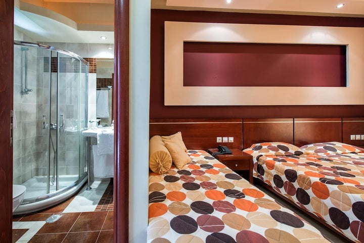 Canadian Hotel Image 26