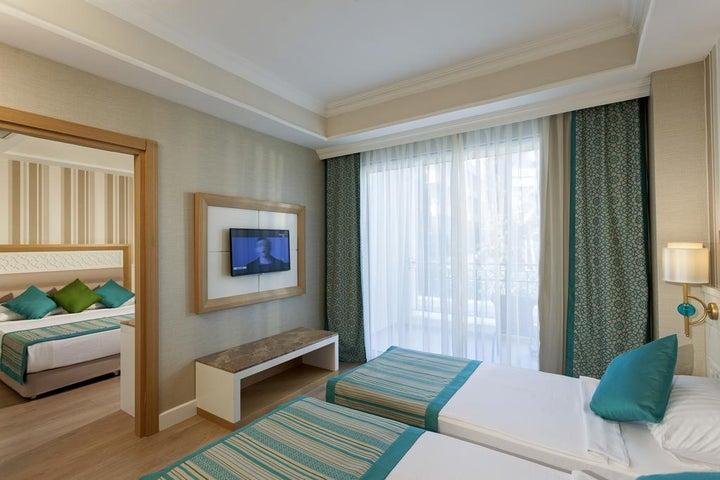 Karmir Resort And Spa Image 7