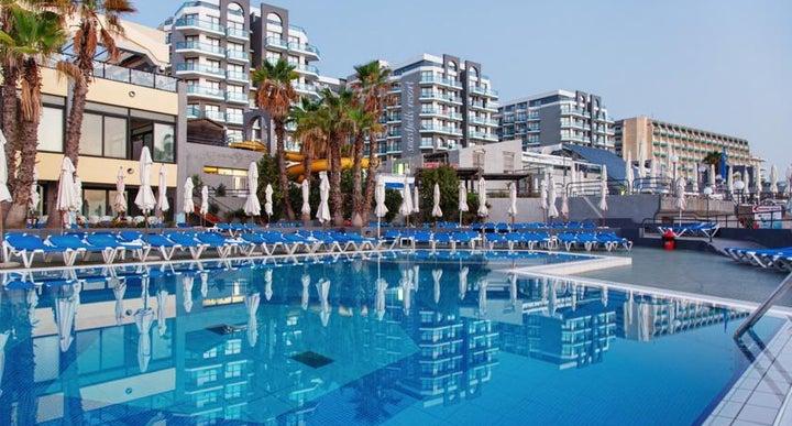 Seashells resort at suncrest in st paul 39 s bay malta for Pool design malta