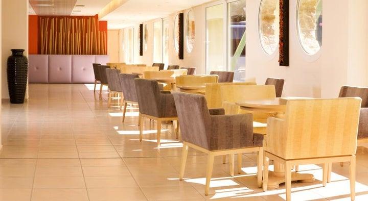 Ariti Grand Hotel Image 14
