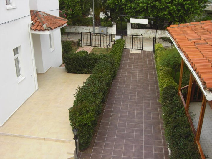 Tolan Apartments Image 30