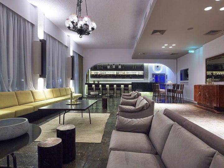 Albatros Hotel Image 0