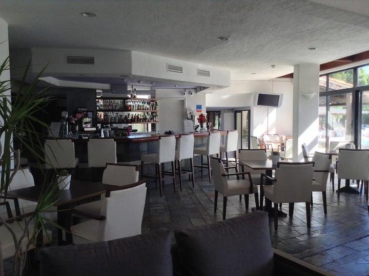 Paphos Gardens Hotel & Apartments Image 7