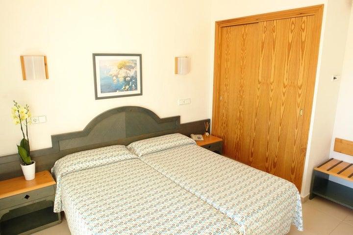 Invisa Es Pla Hotel Image 6