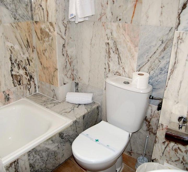 Queens Hotel Image 7