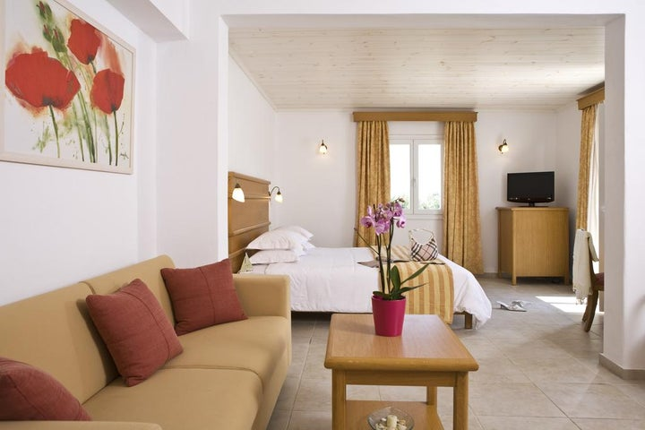 Yiannaki Hotel Image 11