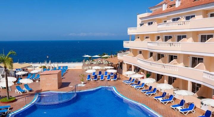 Bahia Flamingo Hotel Image 1