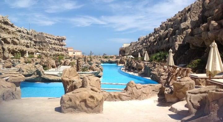 Caves Beach Resort Hurghada Image 16