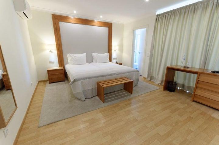 Lagoa Hotel Image 0