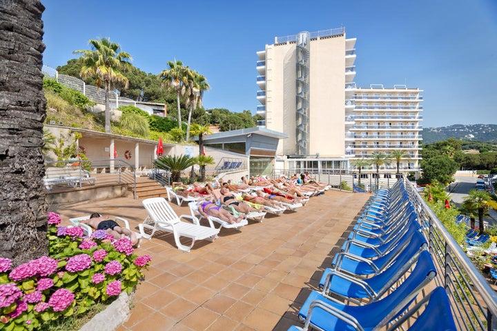 Oasis Park Splash Hotel Image 1