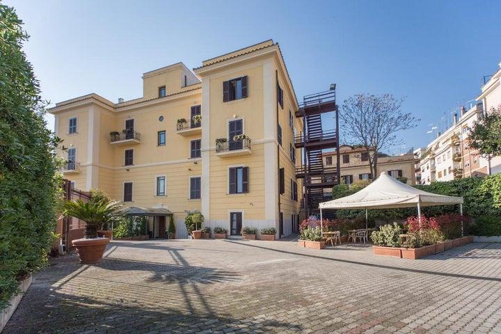 Romoli Hotel in Rome, Italy