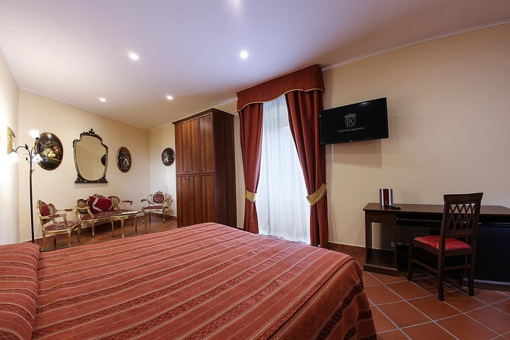Grand Hotel Capodimonte Image 36