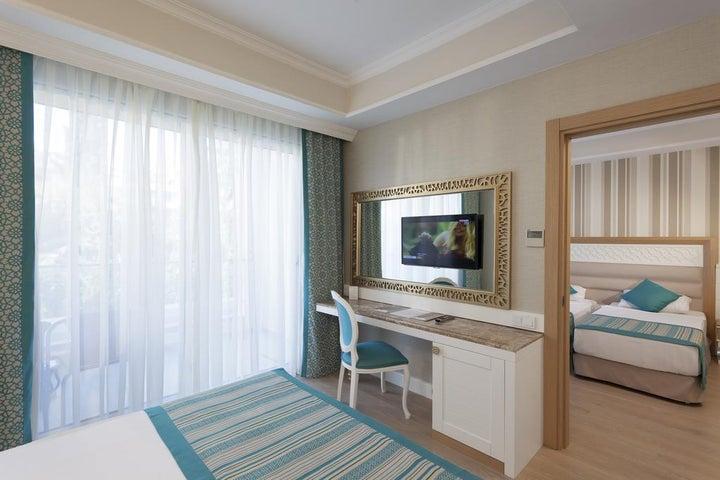 Karmir Resort And Spa Image 23