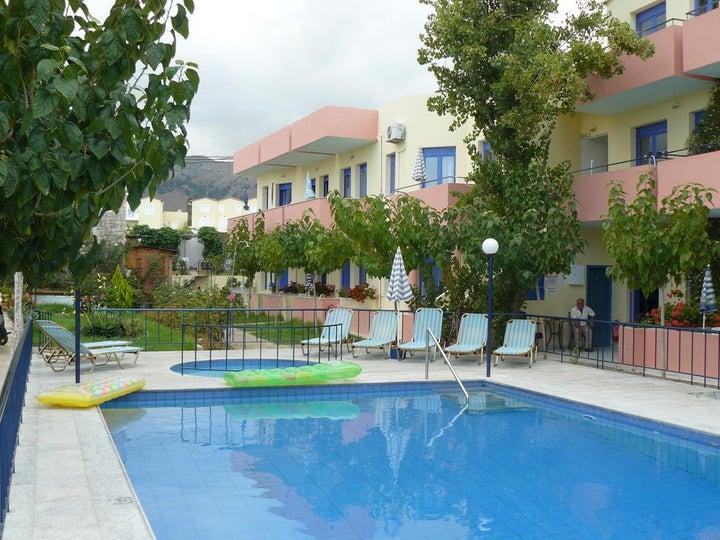 Leonidas Studios & Apartments in Georgioupolis, Crete, Greek Islands