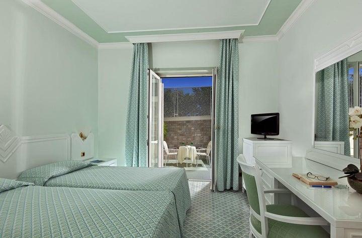 Grand Hotel Riviera Image 32