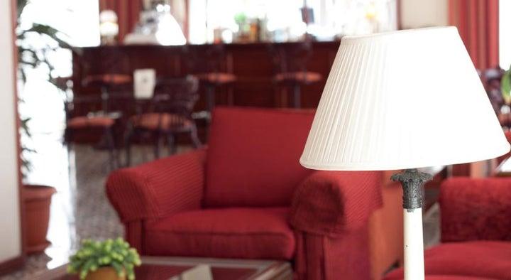 Reveron Plaza Hotel Image 24
