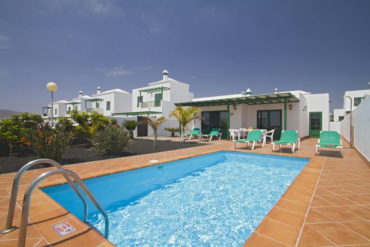 Sandos Papagayo Beach Resort Hotel Map%0A Villas Brisa Marina in Playa Blanca  Lanzarote   Holidays from      pp    loveholidays