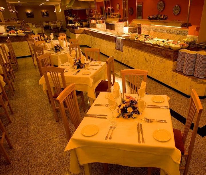 Las Arenas Hotel Image 40