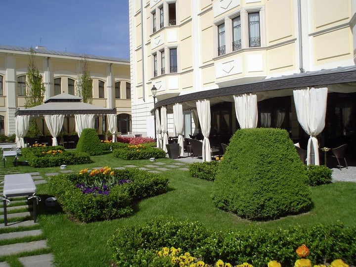 Grand Visconti Palace Image 6