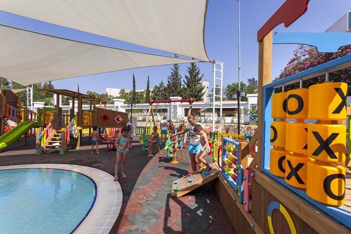 Karmir Resort And Spa Image 5