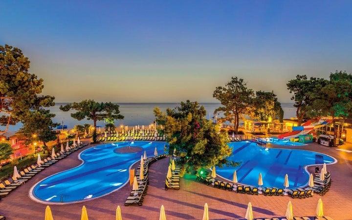 Crystal Aura Beach Resort And Spa Image 38