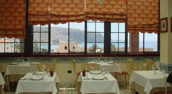 Reveron Plaza Hotel Image 18