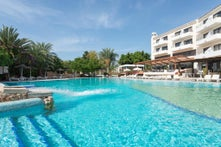 Paphos Gardens Hotel & Apartments