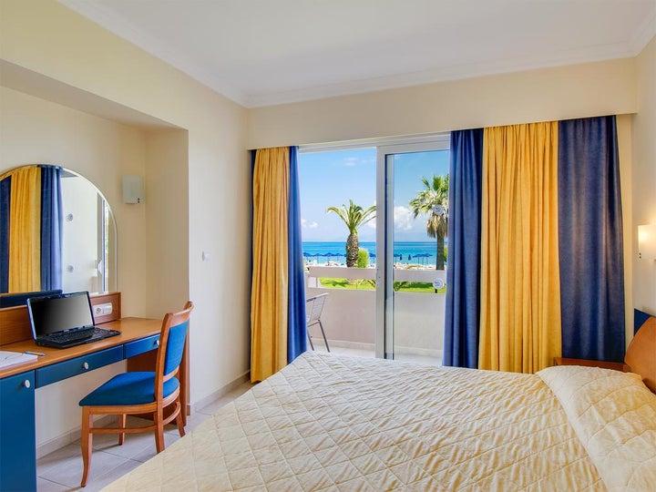 Sun Beach Resort Image 37