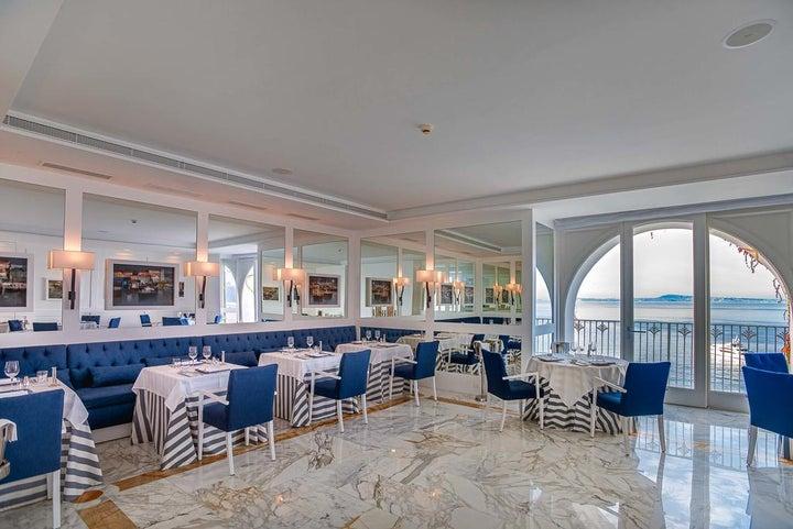Grand Hotel Riviera Image 2