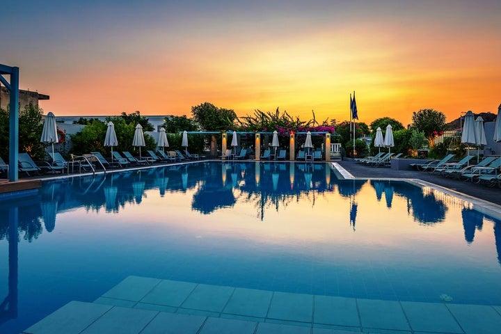 Nissia Kamares Hotel & Apartments Image 2