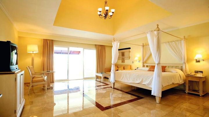 TRS Turquesa Hotel Image 6