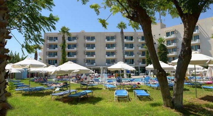 Artemis Hotel Apartments Image 4